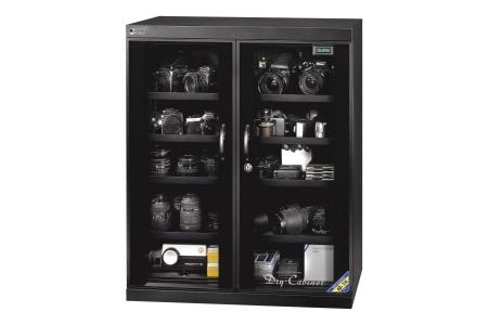 Tủ chống ẩm FujiE giúp bảo quản thiết bị quân sự
